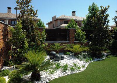 Jardín Fuente Esferas